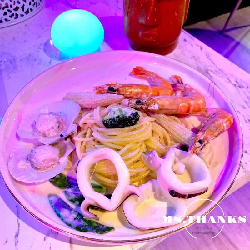 水母餐酒館餐點